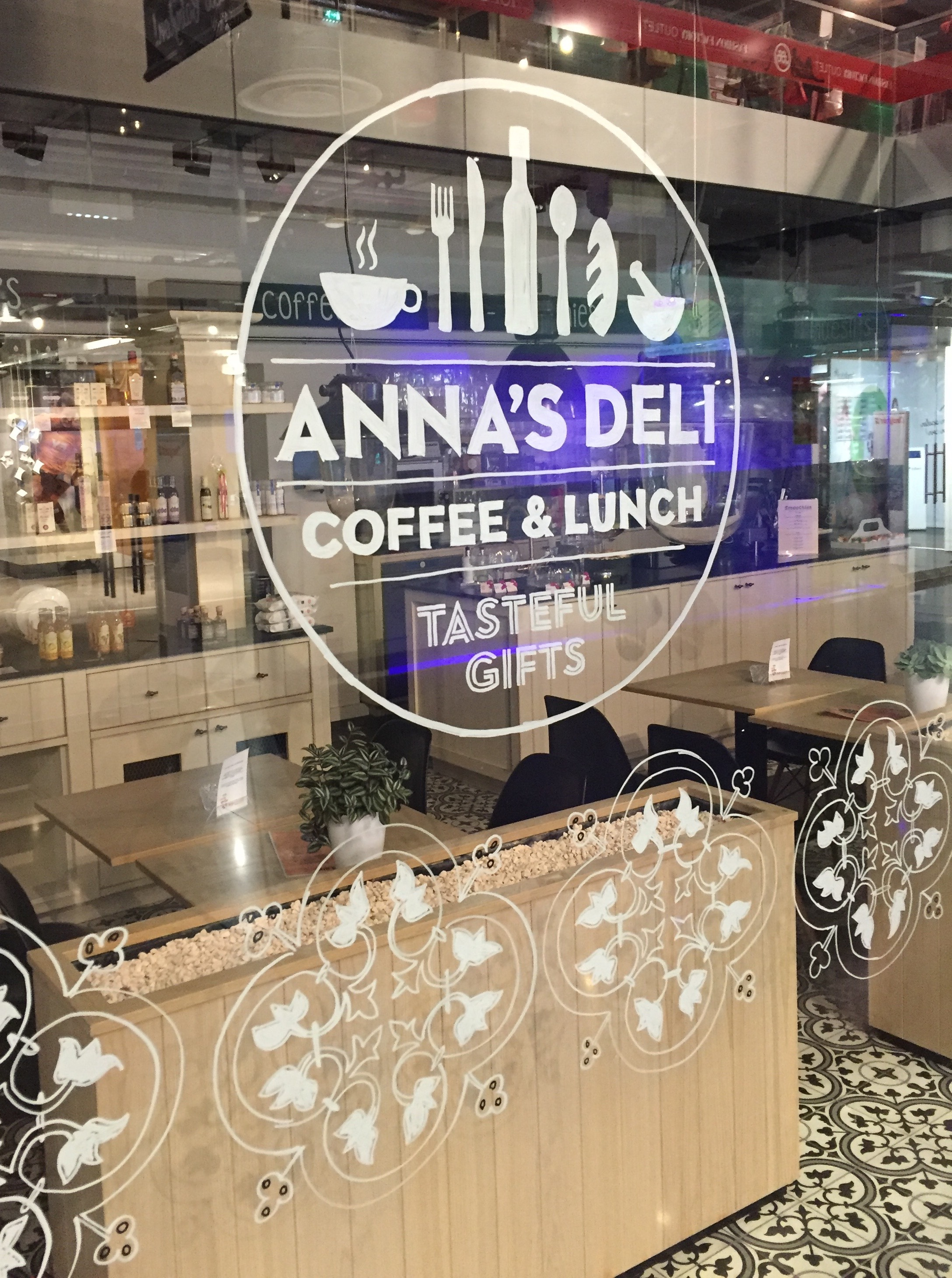 Anna's Deli, New Babylon