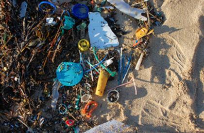 s300_RS5898_Beach_litter_Hayle_Mar_2015_8__gov.uk_.jpg