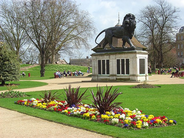 Forbury_Gardens,_Reading.jpg