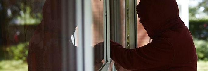 burglar-1160x400.jpg