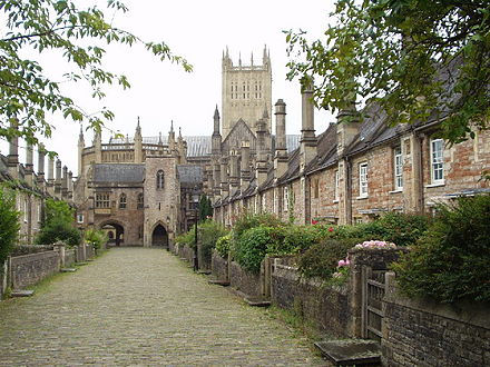 440px-Vicars_Close_Wells_Somerset.jpg