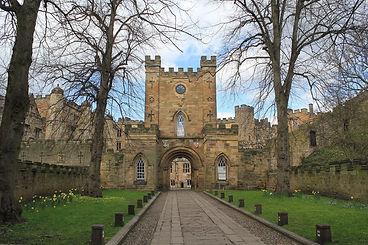 Durham_Castle,_April_2017_(2)_(33802921566).jpg