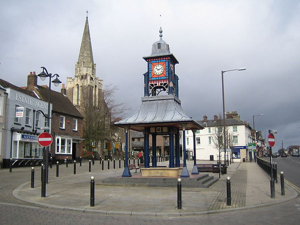 Dunstable,_The_Clock_Tower_and_Market_Cr