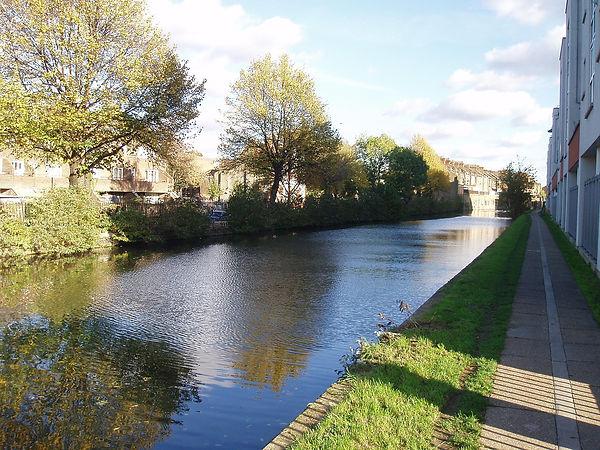 Grand_Union_Canal_(near_Westbourne_Park).jpg