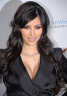 220px-Kim_Kardashian_6.jpg