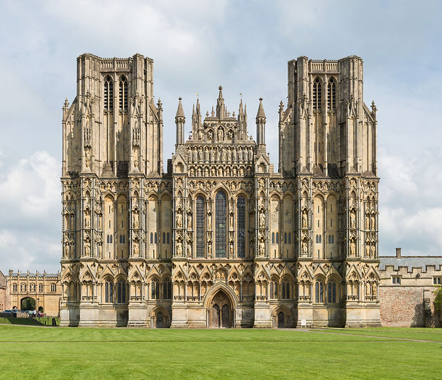 Wells_Cathedral_West_Front_Exterior,_UK_