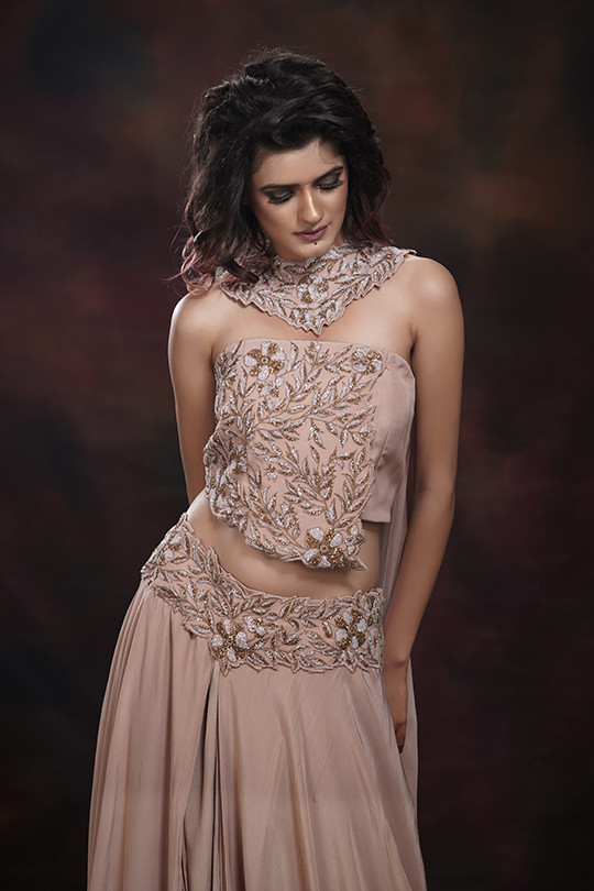 shruti s embroidered off-shoulder cropto