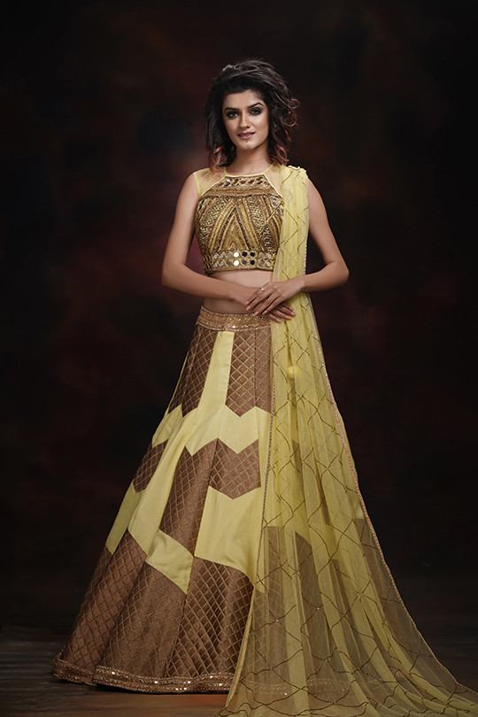 Shruti S lehenga choli for haldi and meh