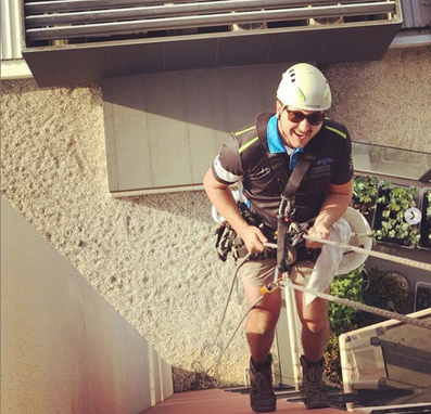 Lee Leighs window Cleaning Melbourne.png