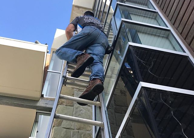 Brian going for it up the ladder. Crisp
