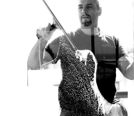 Ninja_window_Cleaning_1