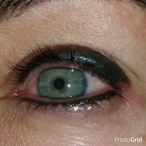 Full heavy eyeliner