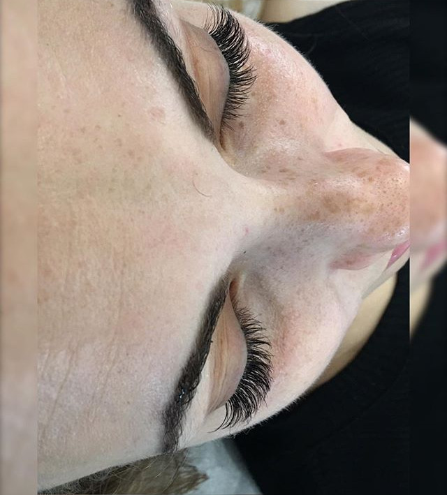 Cat eye  Lash extensions
