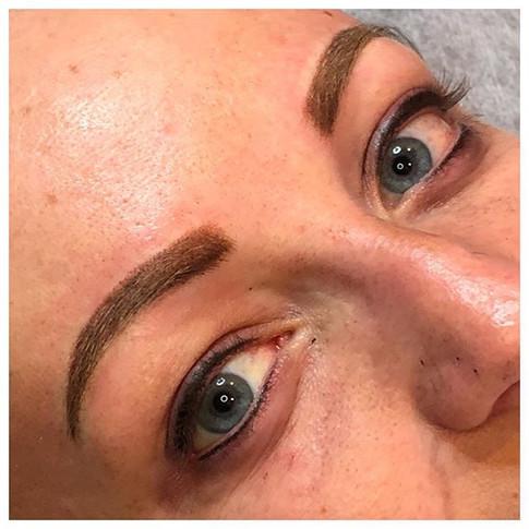 Powder brow & liner