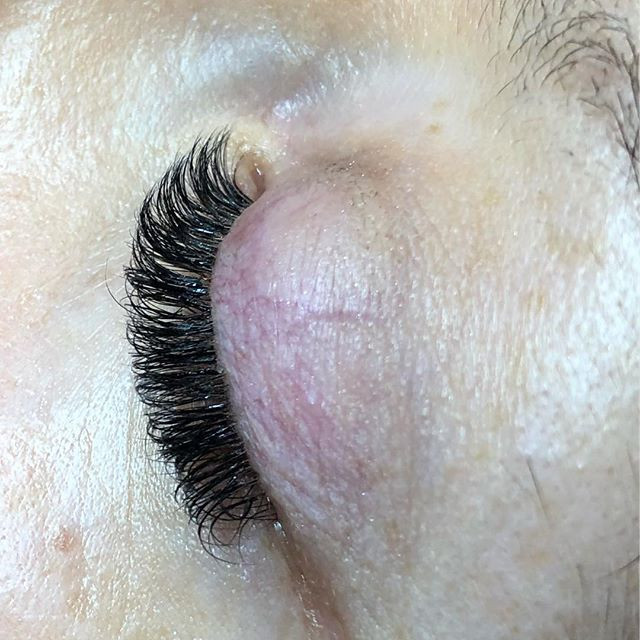 Short volume Lash extensions
