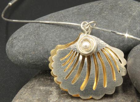 She Saws Seashells by the Seashore