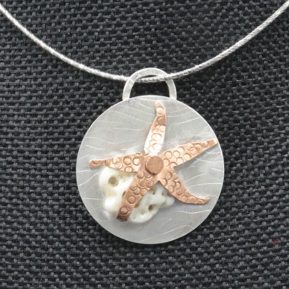 Starfish disc w/shell pendant