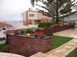 Jardineras_piedra_picón_La_Matanza