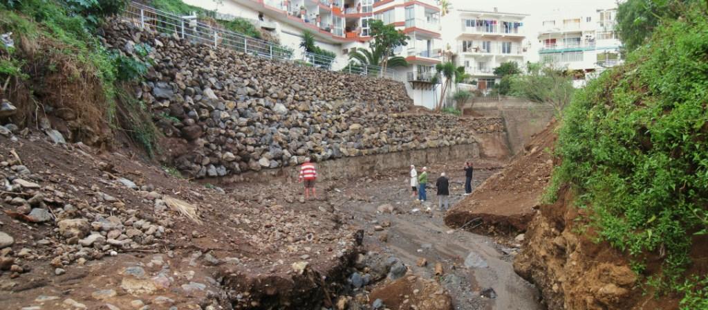 Muro_contención_Puerto_Cruz_(8)
