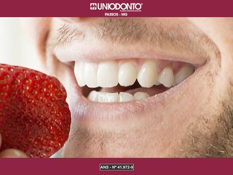 Conheça alimentos que ajudam a manter seus dentes saudáveis