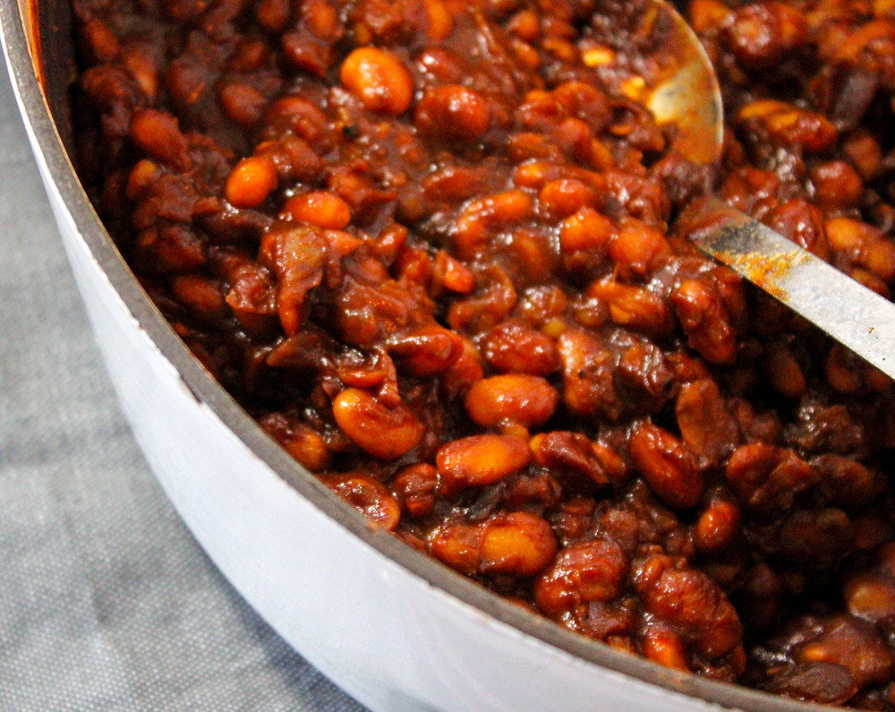 health, quick, and easy baked beans with white beans, molasses, tomato sauce, and spices
