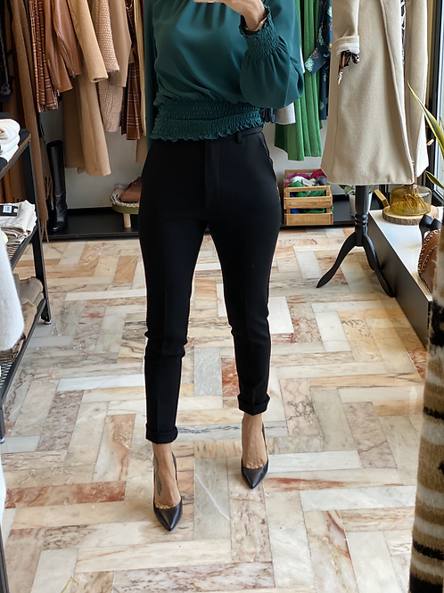 Pantalone Nero Skinny elasticizzato cod. K205