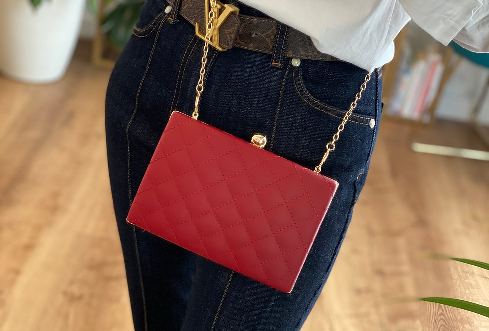 CLUTCH IN PELLE COLOR ROSSA