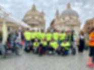 gruppo al miglio di Roma.jpg