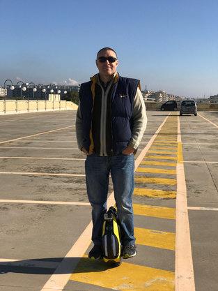 Marcello nel parcheggio