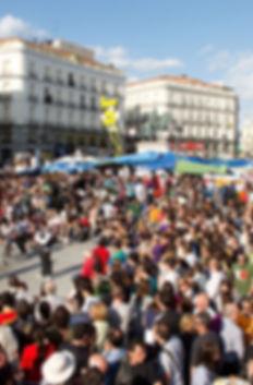 960px-Protestas_Puerta_del_Sol_-_Madrid_