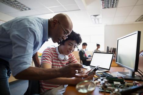A escola do futuro opera no presente com o avanço da tecnologia