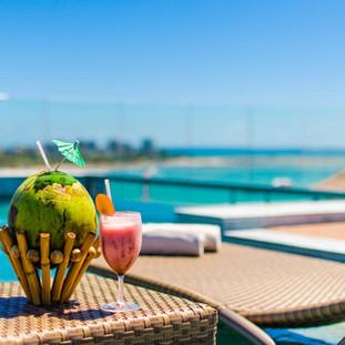 ¿Qué tal aprovechar el sol de Maceió con una increíble tarde en la piscina de la cobertura del Meridiano Hotel?