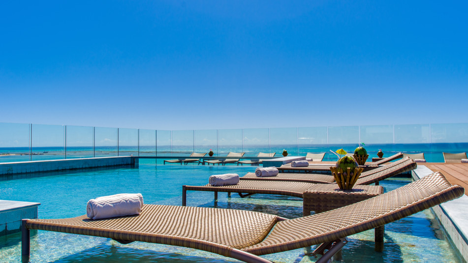Penthouse pool of the Meridiano