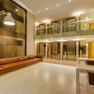 Arquitetura moderna e de muito bom gosto