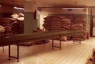 I sacchi di caffé dell'antica azienda Tortorici
