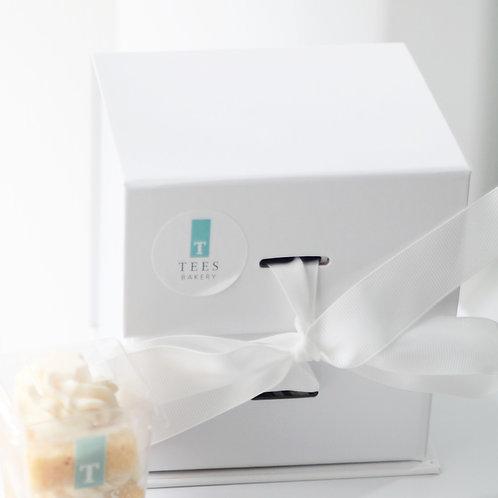 Box of 4 Cake Pots