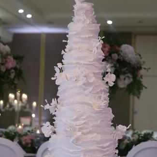 ruffles wedding cake 2.jpg
