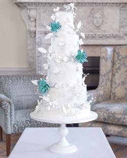 TEES BAKERY WINTER CAKE