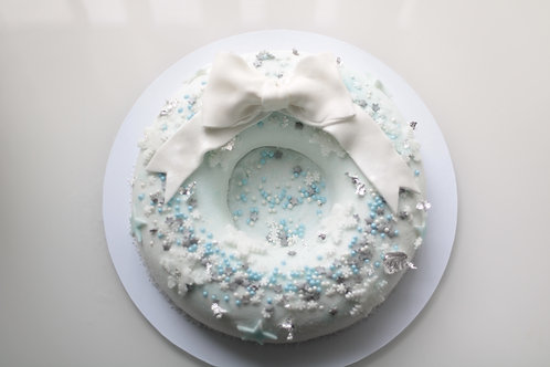 Snowy Wreath Cake