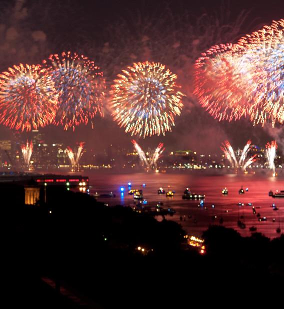 370_rsd_fireworks_red.jpg