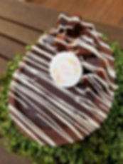 Ovo de Páscoa de Colher. 700gr Recheado com Brownie e Ganeache de Chocolate e Leite Ninho!