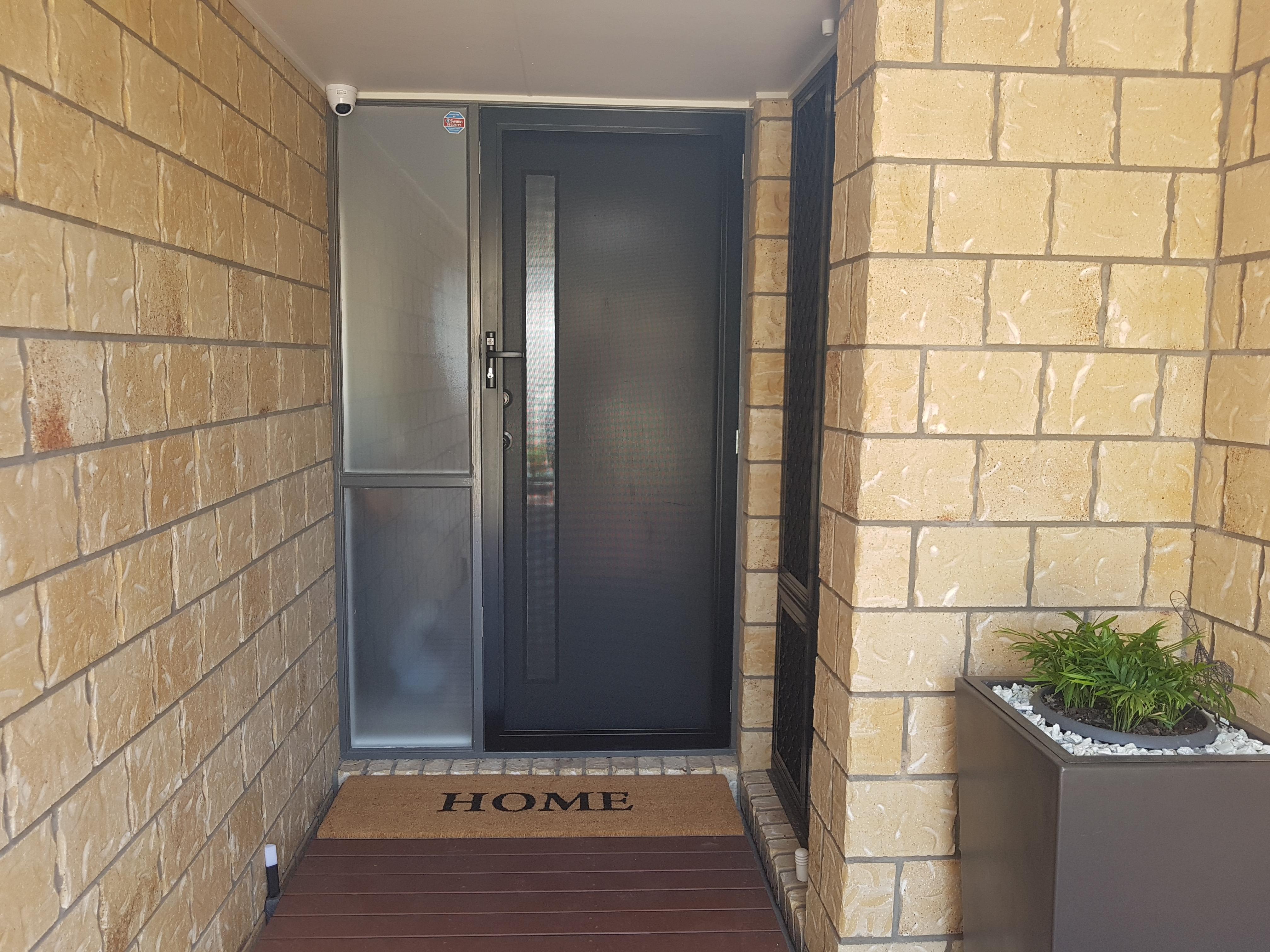 Front security door in stainless steel mesh, Warner
