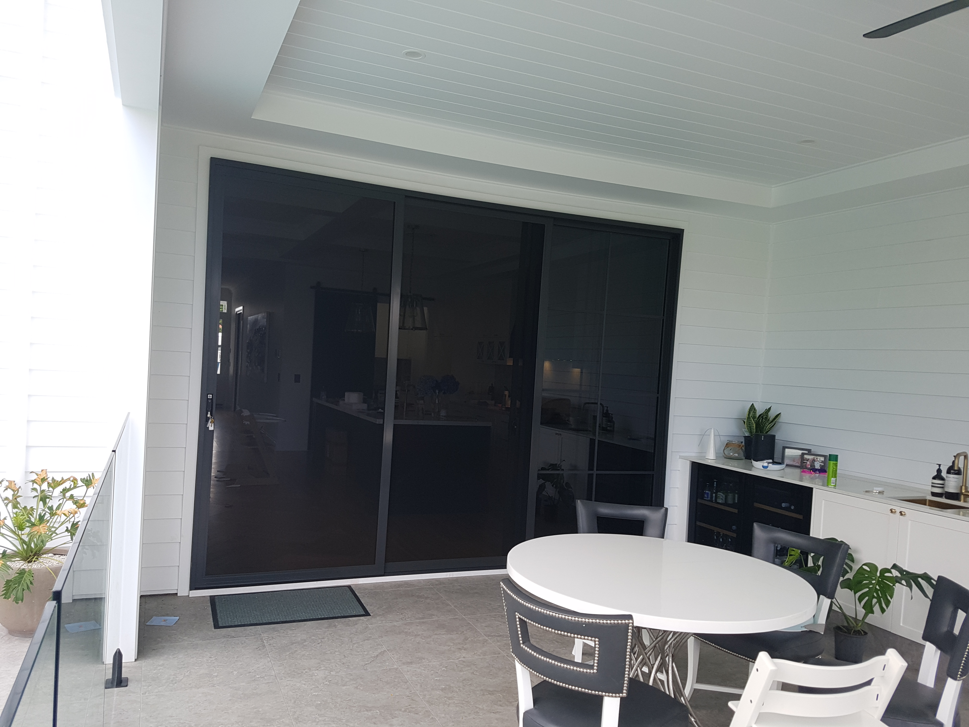 Double sliding doors for the patio area