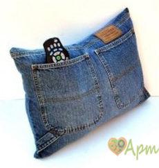 Подушка из старых джинсов