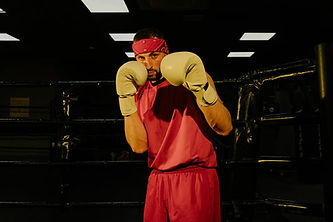 man boxer yellow gloves pexels-photo-440