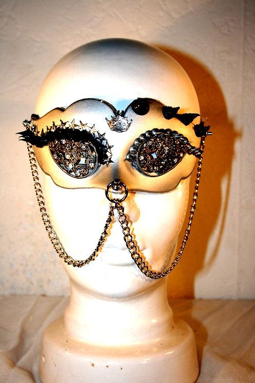"""Maske """"Kleine O"""""""