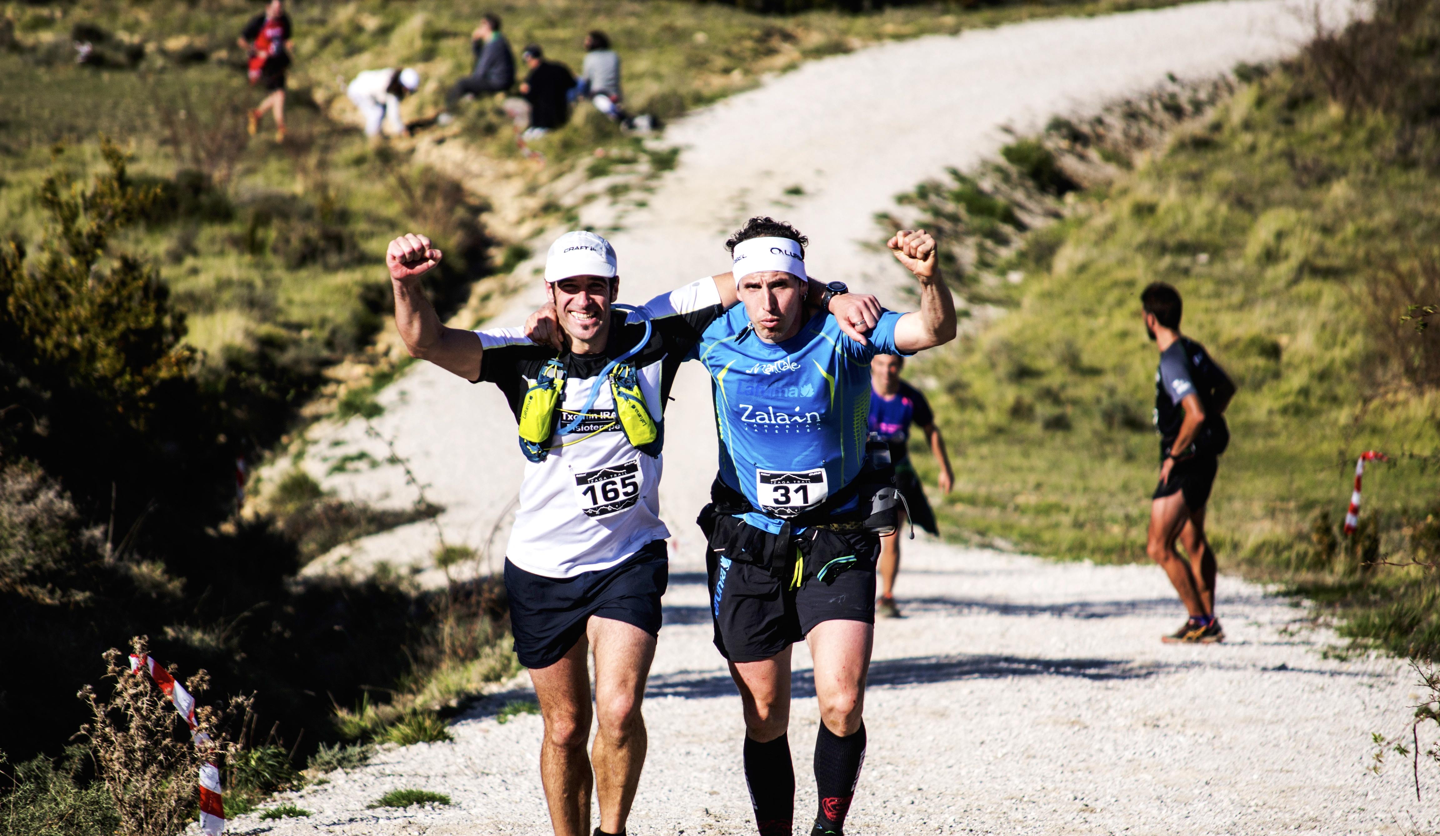 Compañeros carrera Izaga Trail