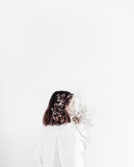 Modell in Weiß