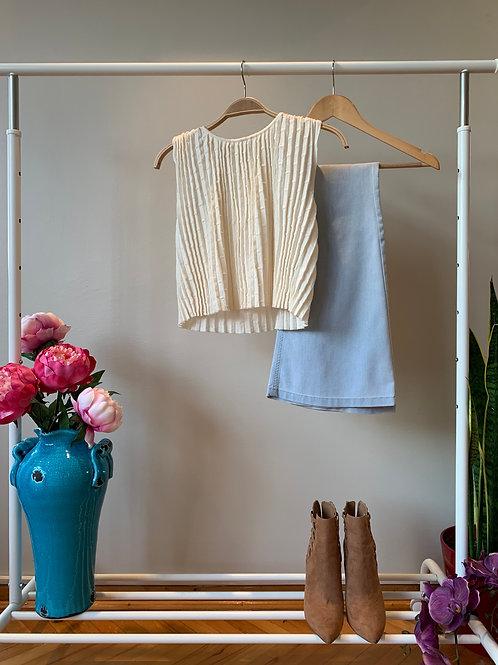 Krem rengi kolsuz pliseli ince triko bluz