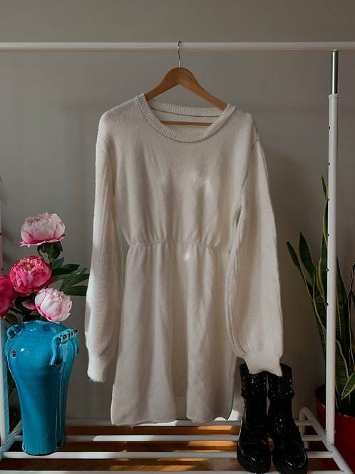 Ekru kolları örgü detaylı triko elbise